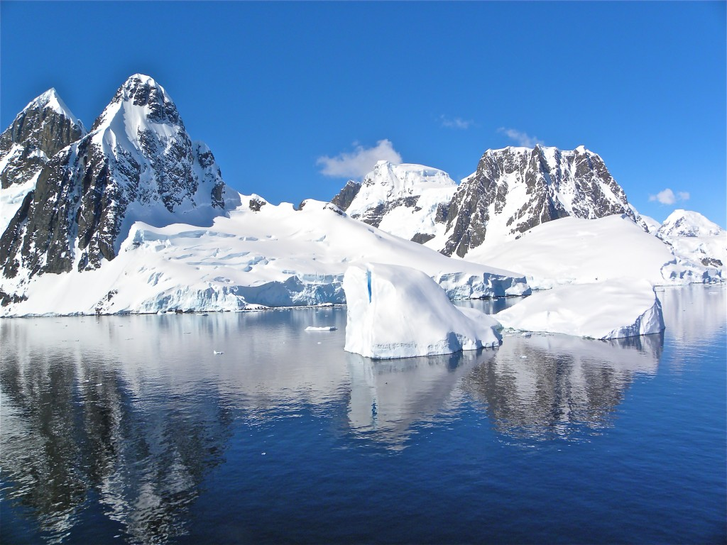 Antarctica offers one stunning panorama after another. All photos by Robert N. Jenkins